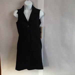 Other - Sleeveless two piece suit with skirt
